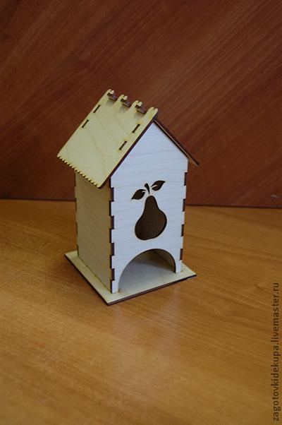 Чайный домик `Груша`  (продается в разобранном виде в палетах) Размеры:  габарит - 11х11х18 см домик - 8,5х8,5х17,5 см,  подставка - 11х11 см Материал: фанера 3 мм