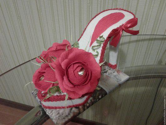 Персональные подарки ручной работы. Ярмарка Мастеров - ручная работа. Купить туфли из конфет. Handmade. Туфелька, кукла из конфет