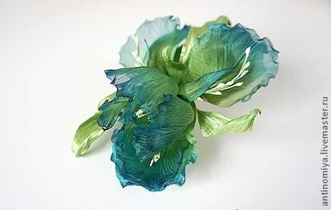"""Заколки ручной работы. Ярмарка Мастеров - ручная работа. Купить Шелковые цветы. Ирис """"Лесли"""". Handmade. Шелковые цветы, бирюзовый"""