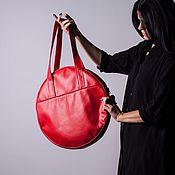 Классическая сумка ручной работы. Ярмарка Мастеров - ручная работа Красная женская сумка из экокожи Small Circle круглая сумка. Handmade.