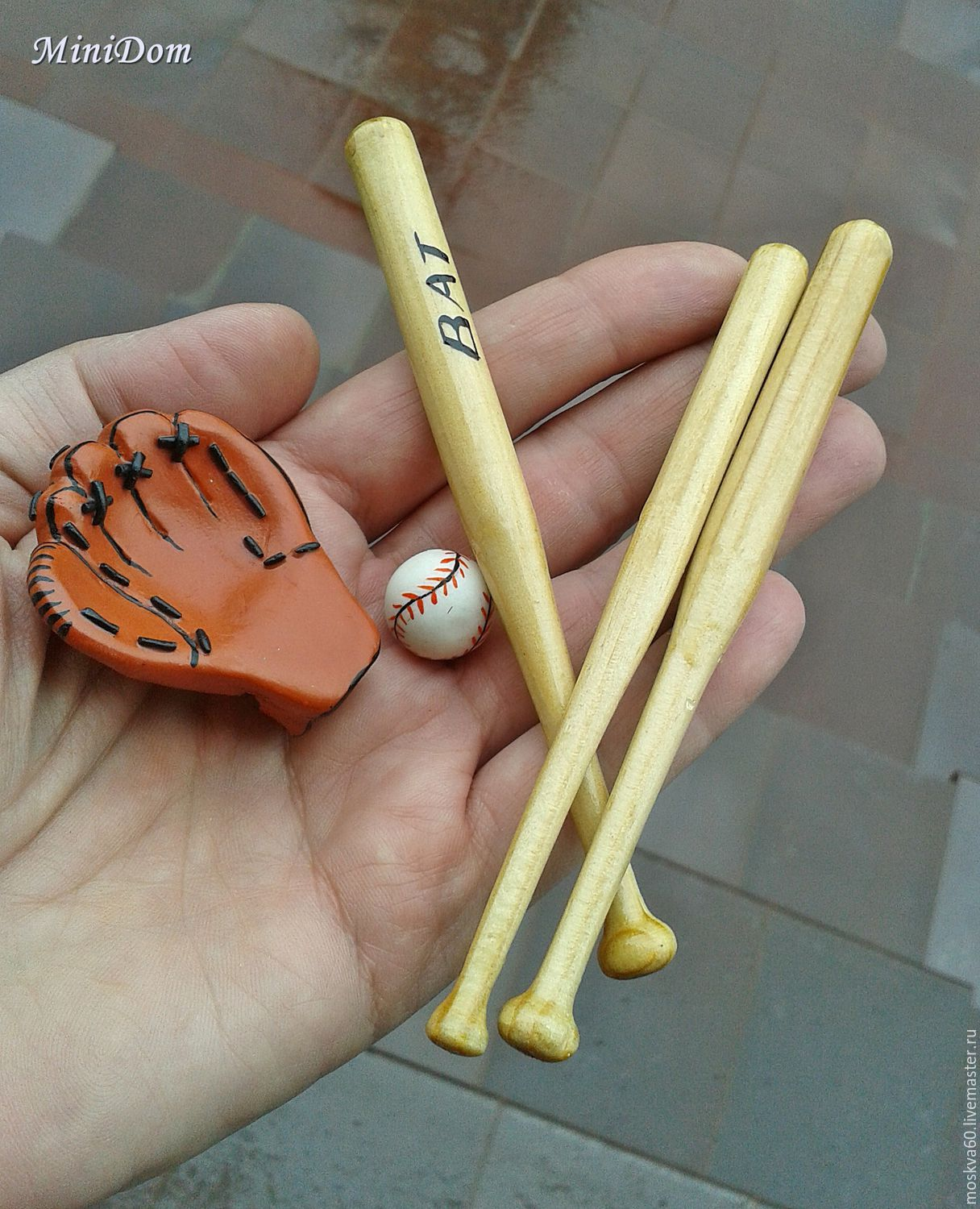 Dollhouse miniature for doll and toy collector's miniature 1 to 12 1 to 6 miniature for dolls baseball bat glove ball handmade custom accessories for dolls doll accessories