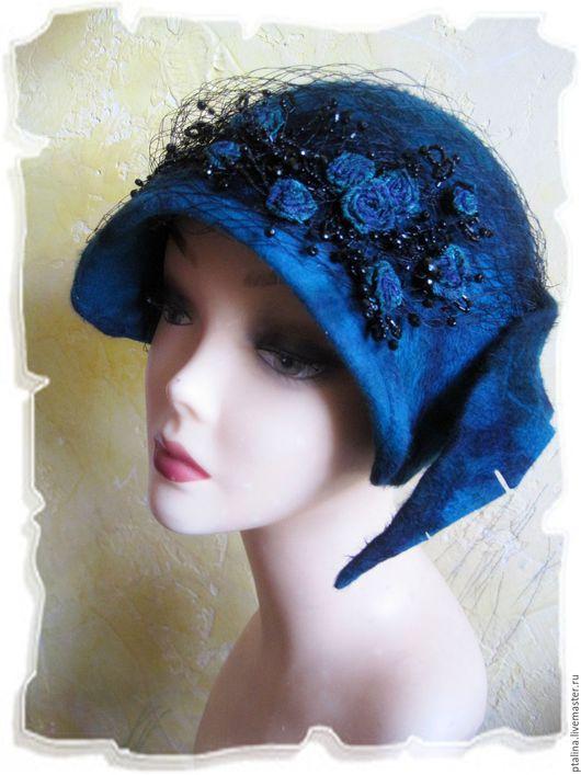 """Шляпы ручной работы. Ярмарка Мастеров - ручная работа. Купить авторская шляпка из фетра с ворсом Ретро  Шик Изумруд с розами  """". Handmade."""