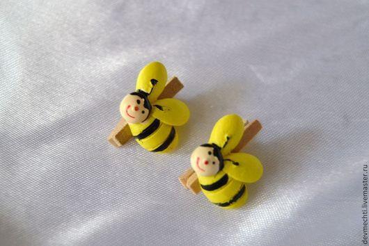Прищепка с декором Пчелка Размер прищепки 2,5 см Цена: 15 руб.