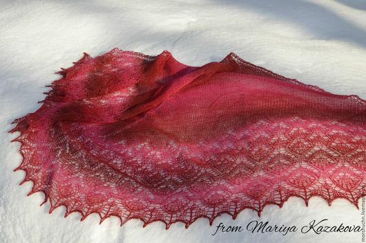 `Яблоки на снегу`. Дизайн Любовь Шальная. Кауни 8/1 Red II. Красный бисер. Длина по ленточке 210см, ширина 90см.