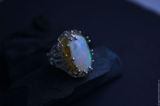 """Кольца ручной работы. Ярмарка Мастеров - ручная работа. Купить Кольцо """"Lilium"""" с эфиопским опалом. Handmade. Коралловый, опал благородный"""