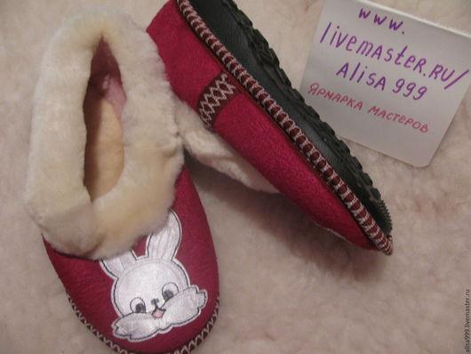 Обувь ручной работы. Ярмарка Мастеров - ручная работа. Купить Детские меховые тапочки на твёрдой подошве. Handmade. тапочки для ребенка