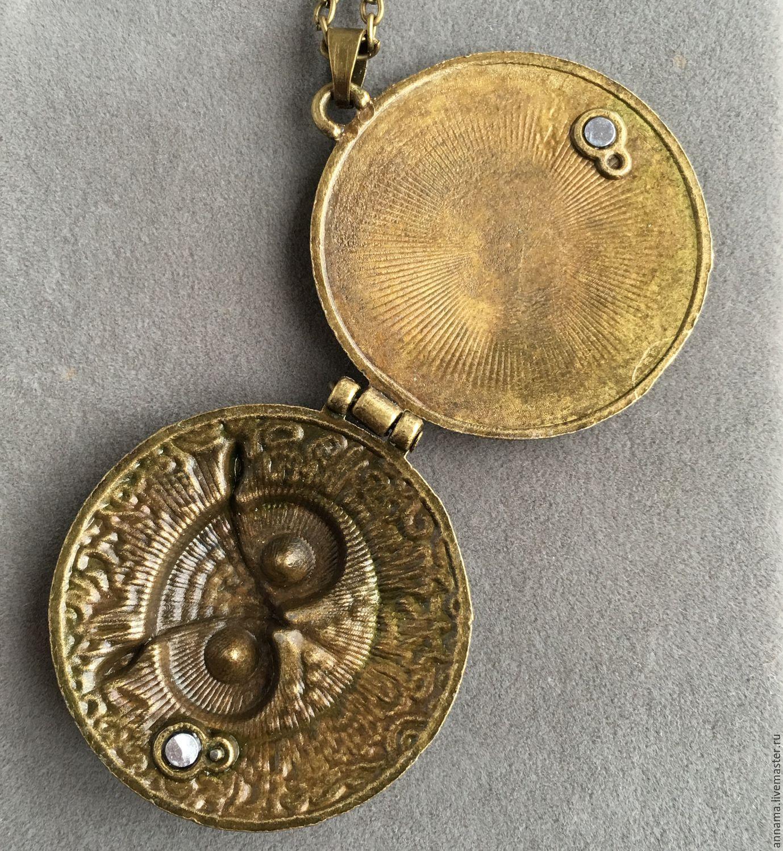 картинки медальон старинный поможет