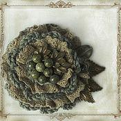 Украшения ручной работы. Ярмарка Мастеров - ручная работа Брошь в оливковый тонах. Handmade.