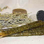 Ритуальная свеча ручной работы. Ярмарка Мастеров - ручная работа Свеча Йоля: Очищение с четверговой солью и травами. Handmade.