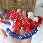 Куклы и игрушки ручной работы. Ярмарка Мастеров - ручная работа Лошадка на ёлку. Handmade.