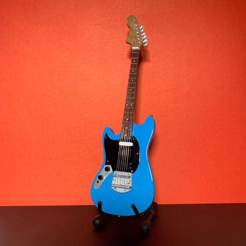 Сувенирная мини гитара Nirvana, Инструменты, Москва, Фото №1