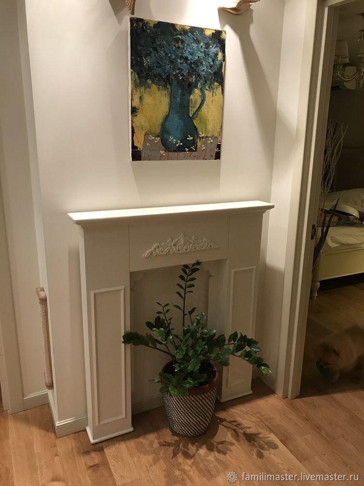 Деревянный портал с резным декором