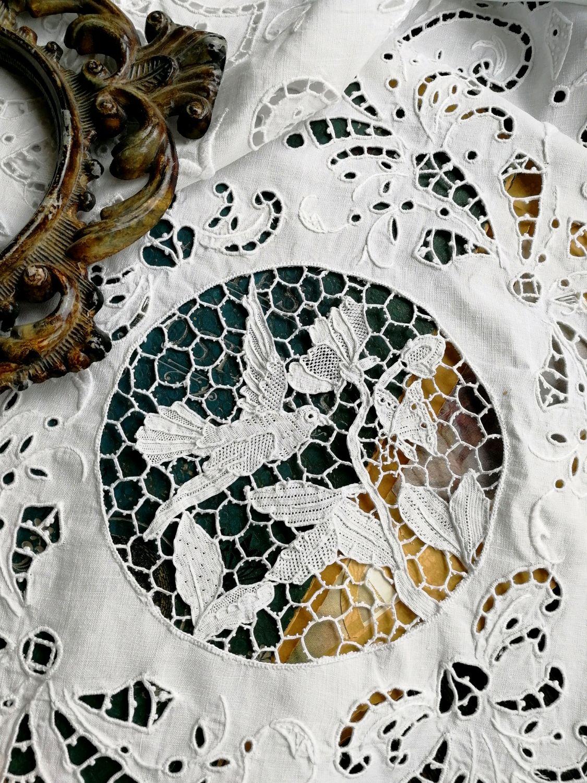 Винтаж: Птицы и бабочки Point de Venise. Старинная итальянская скатерть, Предметы интерьера винтажные, Москва,  Фото №1