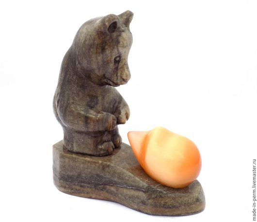 Персональные подарки ручной работы. Ярмарка Мастеров - ручная работа. Купить Медведь и Ёжик - фигурка из камня Кальцит. Handmade. Фигурка