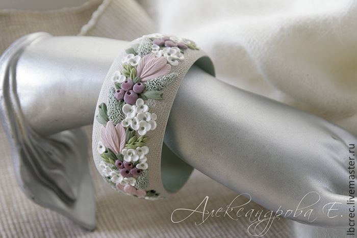 Bracelet 'Morning hydrangeas' with flowers from polymer clay, Bead bracelet, Barnaul,  Фото №1