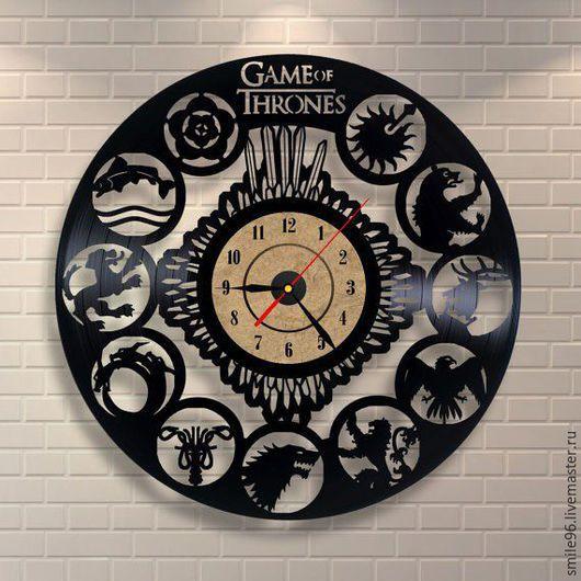 """Часы для дома ручной работы. Ярмарка Мастеров - ручная работа. Купить Часы из пластинки """"Игра престолов"""". Handmade. Комбинированный"""