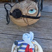 Куклы и игрушки ручной работы. Ярмарка Мастеров - ручная работа Мозес.Вежливый Птеродактель. Чердачная примитивная кукла. Подвеска.. Handmade.
