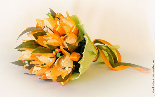 """Кулинарные сувениры ручной работы. Ярмарка Мастеров - ручная работа. Купить Букет из конфет """"Солнечный"""". Handmade. Оранжевый, тюльпаны"""