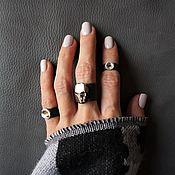 Украшения ручной работы. Ярмарка Мастеров - ручная работа Черное кожаное кольцо с черепом SWAROVSKI, набор из 3-х колец. Handmade.