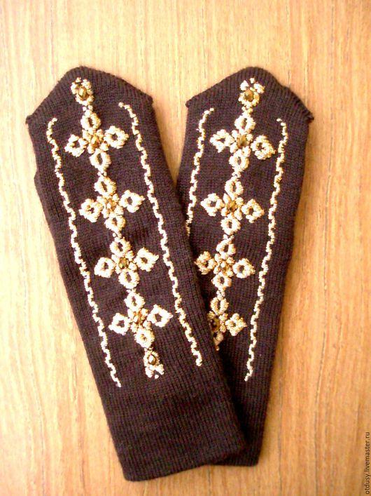 """Варежки, митенки, перчатки ручной работы. Ярмарка Мастеров - ручная работа. Купить Варежки """"ЗОЛОТОЕ ПЛЕТЕНИЕ на темно-коричневом"""". Handmade."""