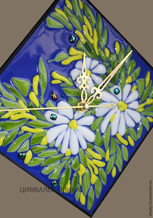 Часы для дома ручной работы. Ярмарка Мастеров - ручная работа. Купить Часики с ромашками)Фьюзинг.. Handmade. Тёмно-синий, лето