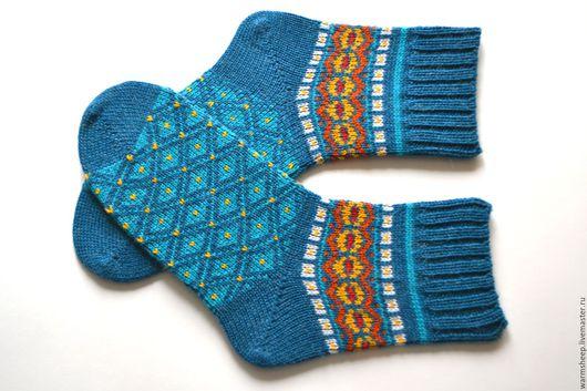 Вязаные шерстяные носки теплые носки носки с узором носки с орнаментом красивые носки новогодние носки носки на новый год красивые носочки яркие носки носки с узором носки с орнаментом
