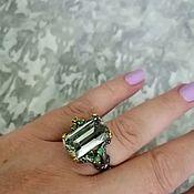Кольца ручной работы. Ярмарка Мастеров - ручная работа Серебряное кольцо с зеленым аметистом и изумрудами. Handmade.