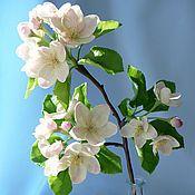 Букеты ручной работы. Ярмарка Мастеров - ручная работа Ветка яблони из полимерной глины. Handmade.
