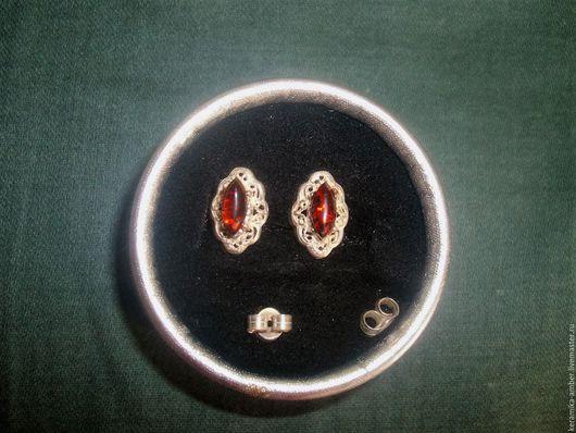 Серьги ручной работы. Ярмарка Мастеров - ручная работа. Купить Серьги  с янтарём  гвоздики по серебренные, вишнёвый, бордовый цвет. Handmade.