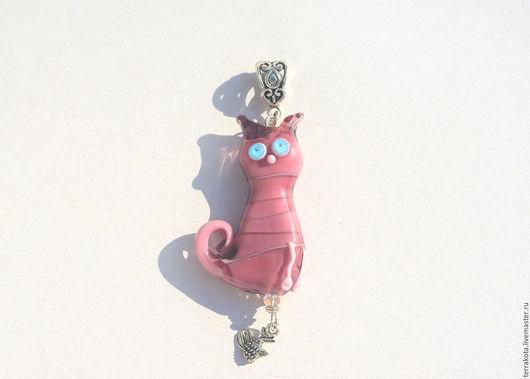 """Кулоны, подвески ручной работы. Ярмарка Мастеров - ручная работа. Купить Кулон """"Розовый котик """" лэмпворк. Handmade."""