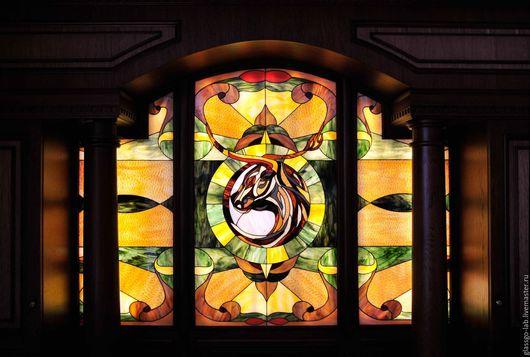 Витражное панно `ТЕЛЕЦ`, Тиффани, стекло, 259 деталей.