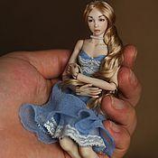 Куклы и игрушки ручной работы. Ярмарка Мастеров - ручная работа Шарнирная фарфоровая кукла Оливия-3. Фарфор ,15,5 см. Миниатюра 1/12. Handmade.