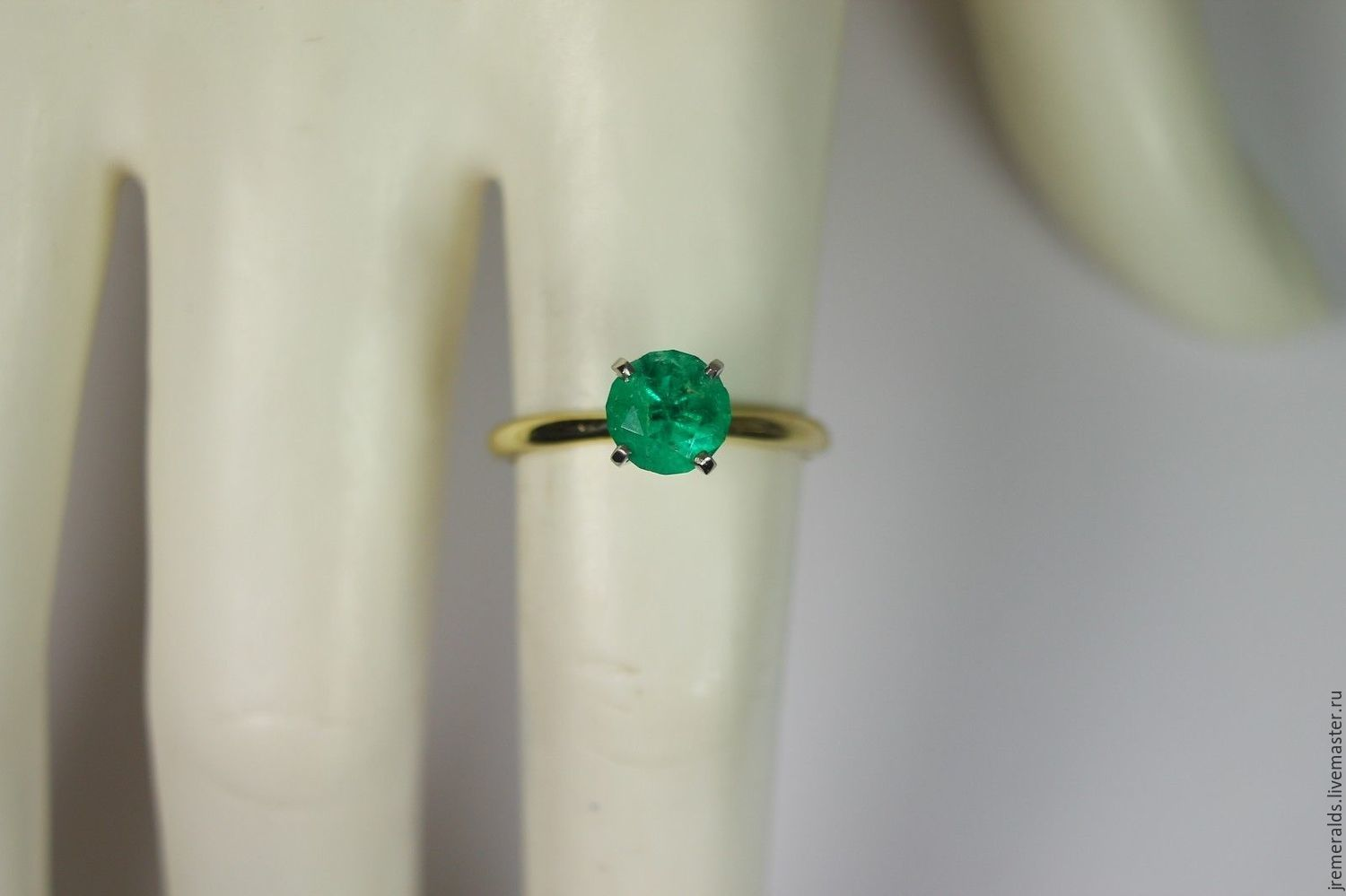Rings Handmade 10 Cts Colombian Emerald & Two Tone Gold Solitaire Engagement  Ring 14