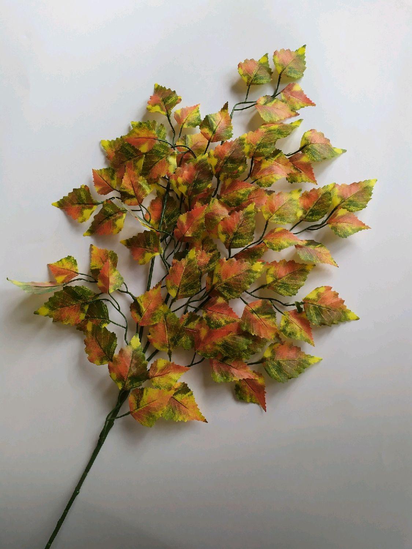 Открытка из листьев клена березы и рябины