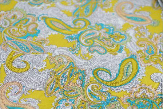 Ткань с салатно-бирюзовыми узорами