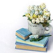 Куклы и игрушки ручной работы. Ярмарка Мастеров - ручная работа Нежное утро композиция кукольная миниатюра цветы стопка книг. Handmade.