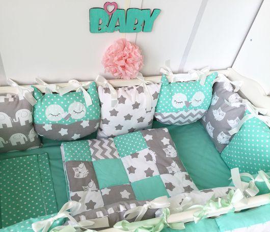 """Для новорожденных, ручной работы. Ярмарка Мастеров - ручная работа. Купить Комплект в кроватку """" Мятные Совуньи"""". Handmade."""