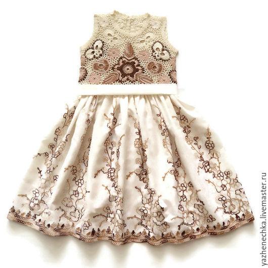 Платье для девочки, ирландское кружево. Вид спереди, с пояском