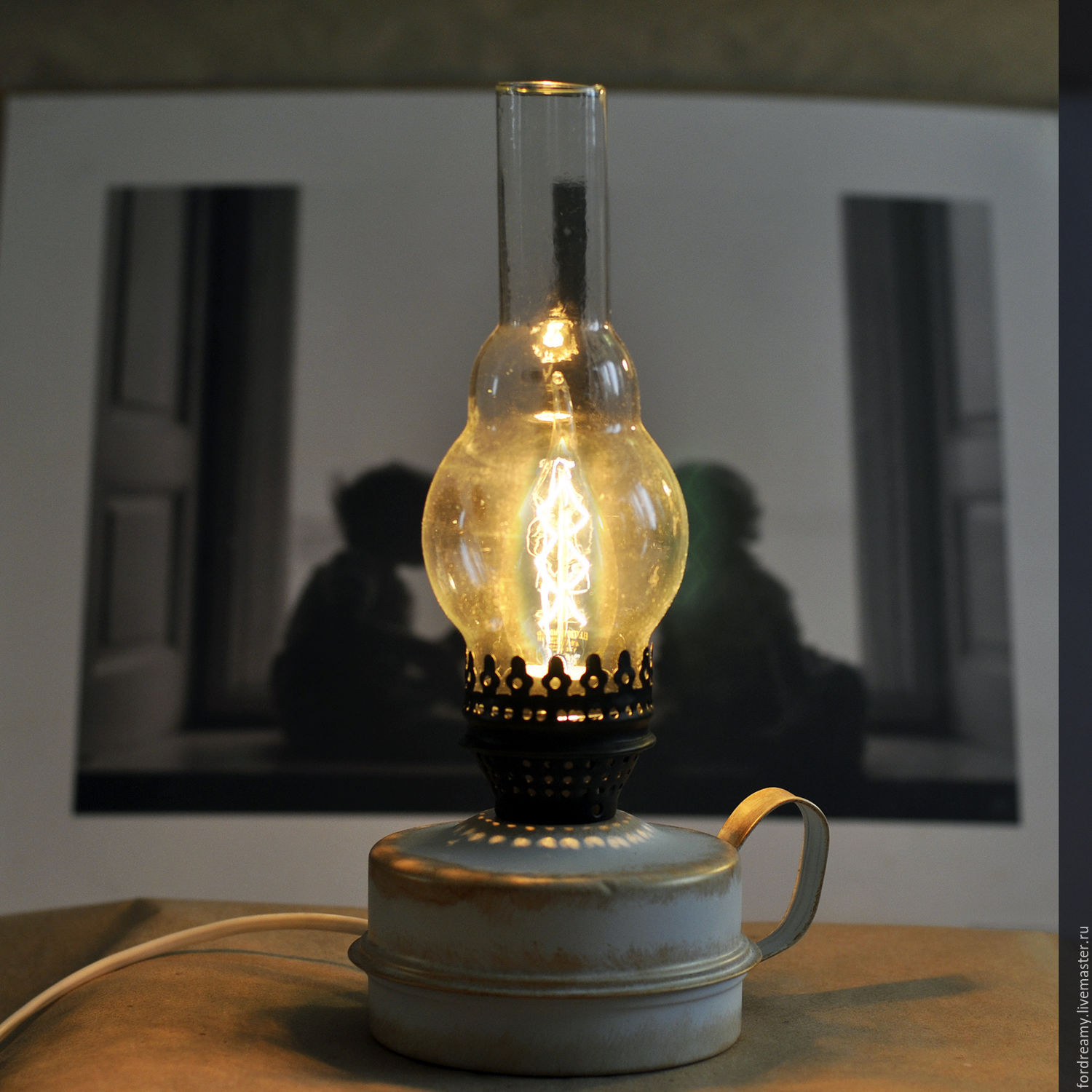 The oil lantern table lamp electric gift on march 8 shop online a gift to his beloved wife girl woman table electric oil lamp with mozeypictures Image collections