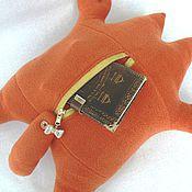 Куклы и игрушки ручной работы. Ярмарка Мастеров - ручная работа Кот Саймона с карманом. Handmade.