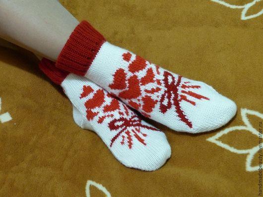 """Носки, Чулки ручной работы. Ярмарка Мастеров - ручная работа. Купить Носки """"От сердца к сердцу"""". Handmade. Белый, носочки"""