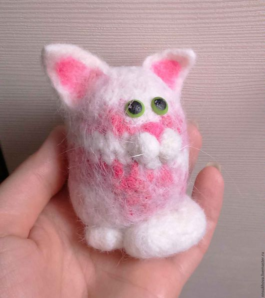 Игрушки животные, ручной работы. Ярмарка Мастеров - ручная работа. Купить Валяный котик (войлочная игрушка). Handmade. Белый