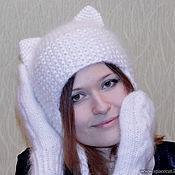 Аксессуары ручной работы. Ярмарка Мастеров - ручная работа Шапка с ушками Кошка вязаная пушистая белая женская. Handmade.