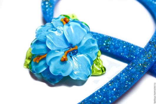 """Колье, бусы ручной работы. Ярмарка Мастеров - ручная работа. Купить Колье """"Голубой гибискус"""". Handmade. Голубой, голубое колье"""