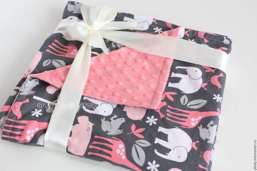 Подарки для новорожденных, ручной работы. Ярмарка Мастеров - ручная работа. Купить Детский плед Коралловый Зоопарк. Handmade. Коралловый, зоопарк