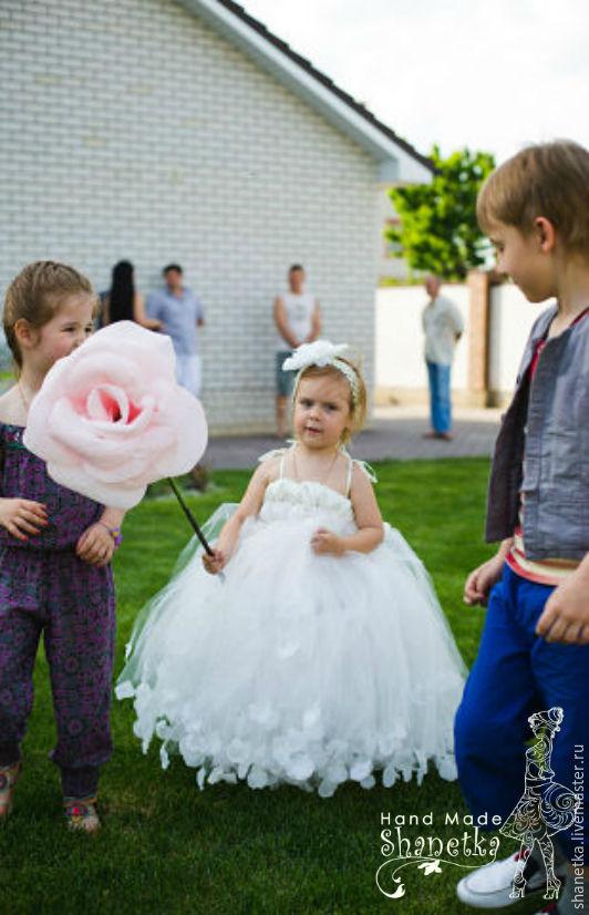 Платья для девочки с лепестками