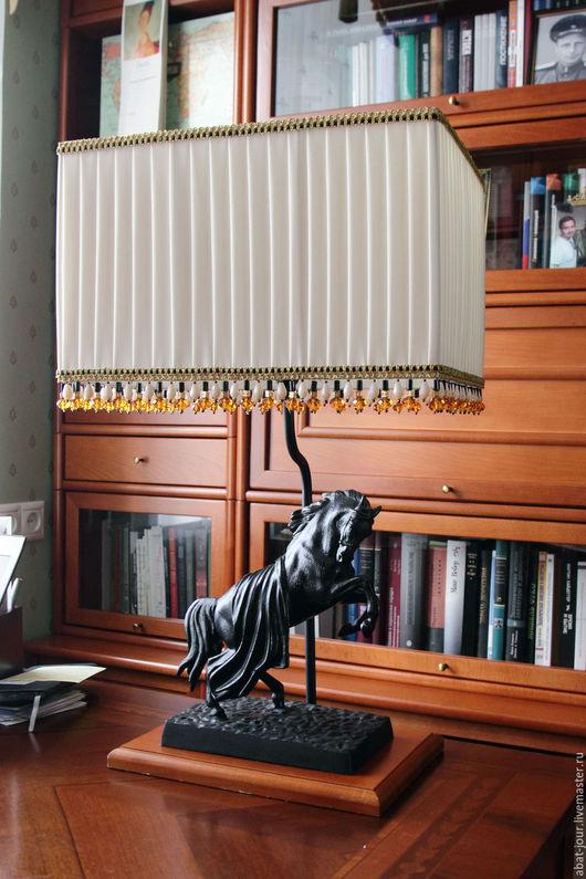 Освещение ручной работы. Ярмарка Мастеров - ручная работа. Купить настольная лампа. Handmade. Белый, освещение, чугунное литье, интерьер