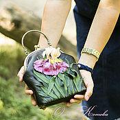 Сумки и аксессуары handmade. Livemaster - original item Leather handbag with flowers on the clasp Waltz irises. Handmade.