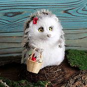 Куклы и игрушки handmade. Livemaster - original item Hedgehog sitting toy made of wool. Handmade.