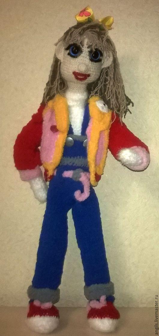 Вязанная кукла `Мария`украсит любой дом и принесет не мало радости детям и взрослым. Очень нежная и мягкая на ощупь.  Елена.